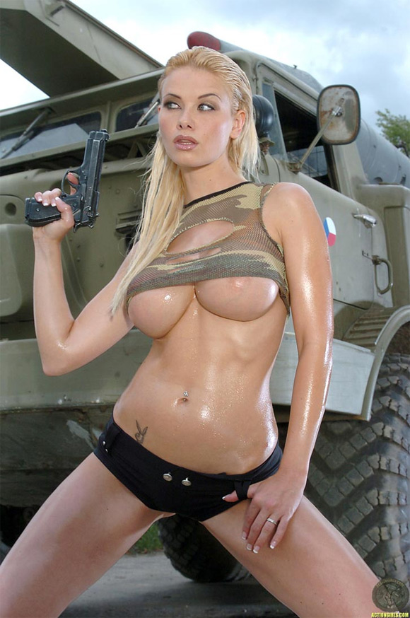 naked-action-girl-kathy-lee-as-an-army-babe