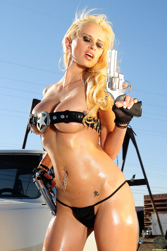 naked-action-girl-kristy-ann-as-a-prepared-for-war-babe