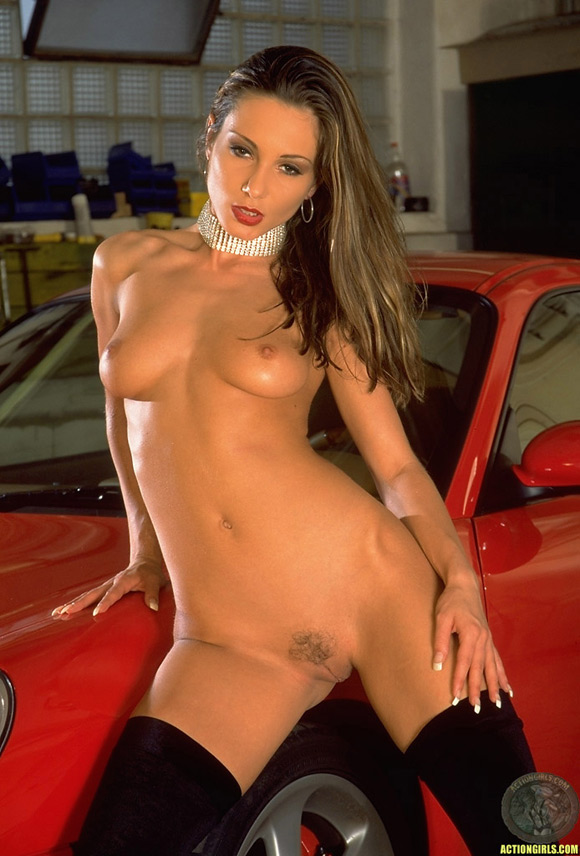 naked-action-girl-martina-fox-as-a-red-hotrod-babe