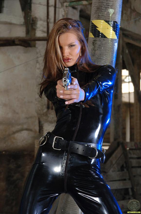 naked-action-girl-saint-adams-as-a-sexy-spy-babe