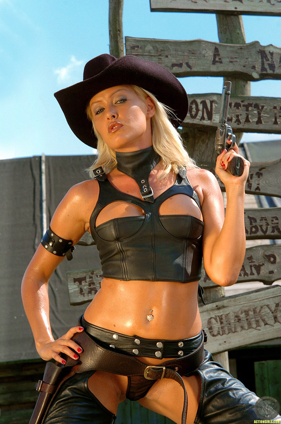 naked-action-girl-sophie-moone-as-a-western-babe