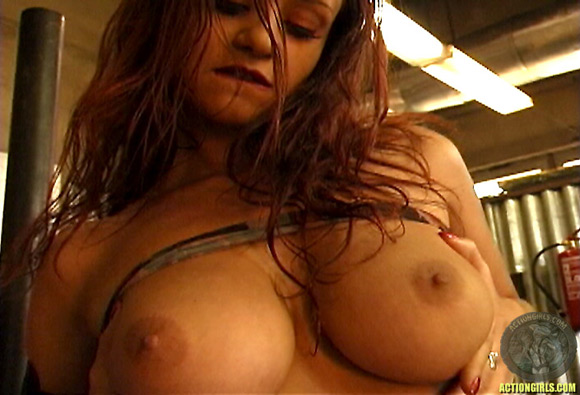 naked-action-girl-chantel-williams-in-action