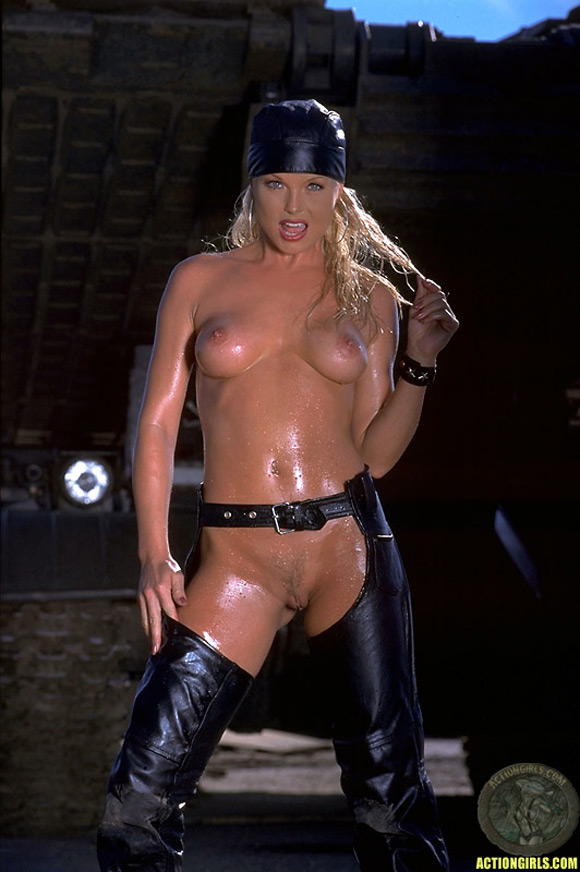 naked-action-girl-sylvia-saint-in-action
