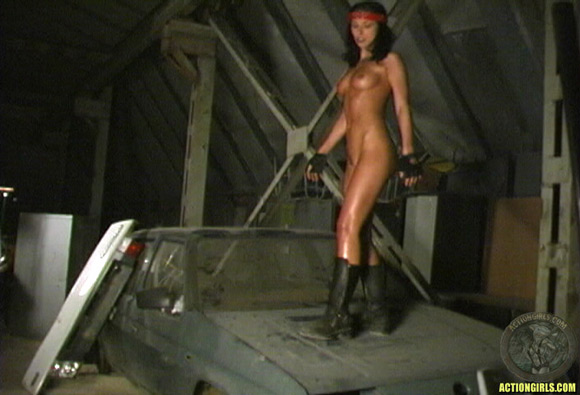 naked-action-girl-zabrina-aamir-in-action
