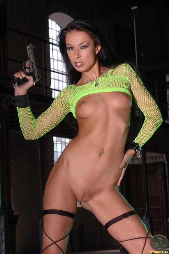 naked-action-girl-hana-black-in-action