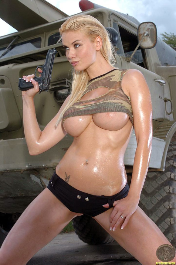 naked-action-girl-kathy-lee-in-playing-with-guns