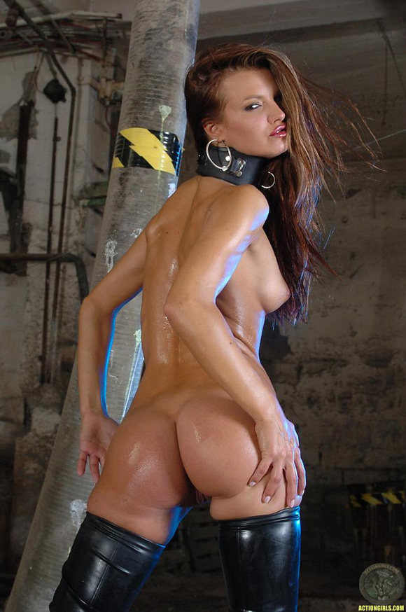 naked-action-girl-saint-adams-as-a-famous-babe