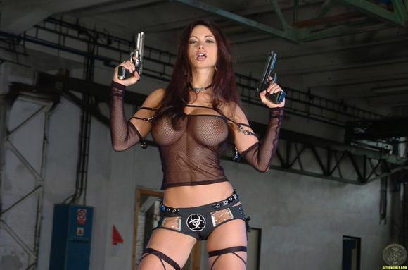 naked-action-girl-veronica-zemanova-as-an-action-babe