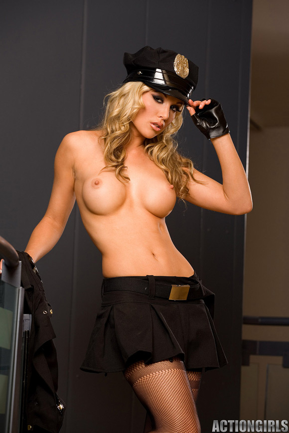 naked-action-girl-kayden-as-a-new-recruit