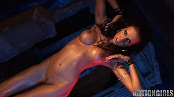 naked-action-girl-klara-in-action