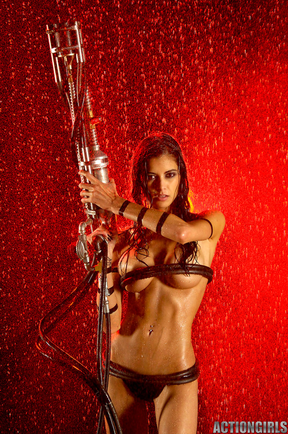 naked-action-girl-lee-as-a-mercenary