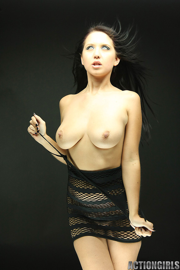 naked-action-girl-chrissy-as-a-new-recruit
