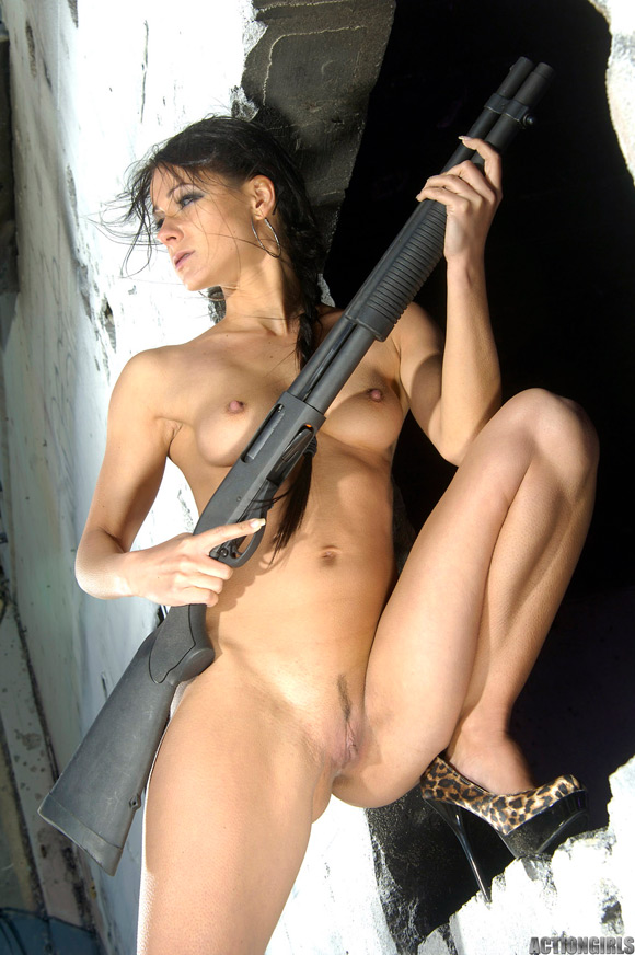 naked-action-girl-kristina-walker-in-action