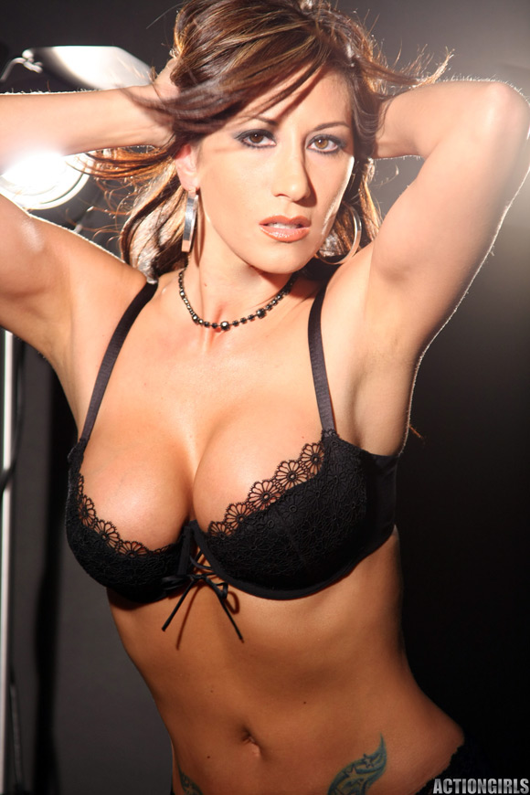 naked-action-girl-diane-in-only-lingerie