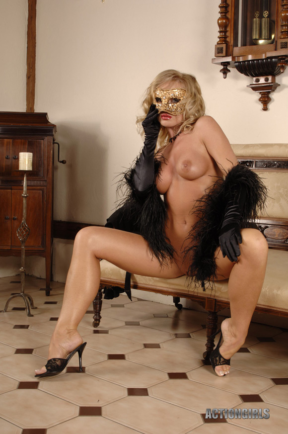 naked-action-girl-elegance-in-masked-beauty